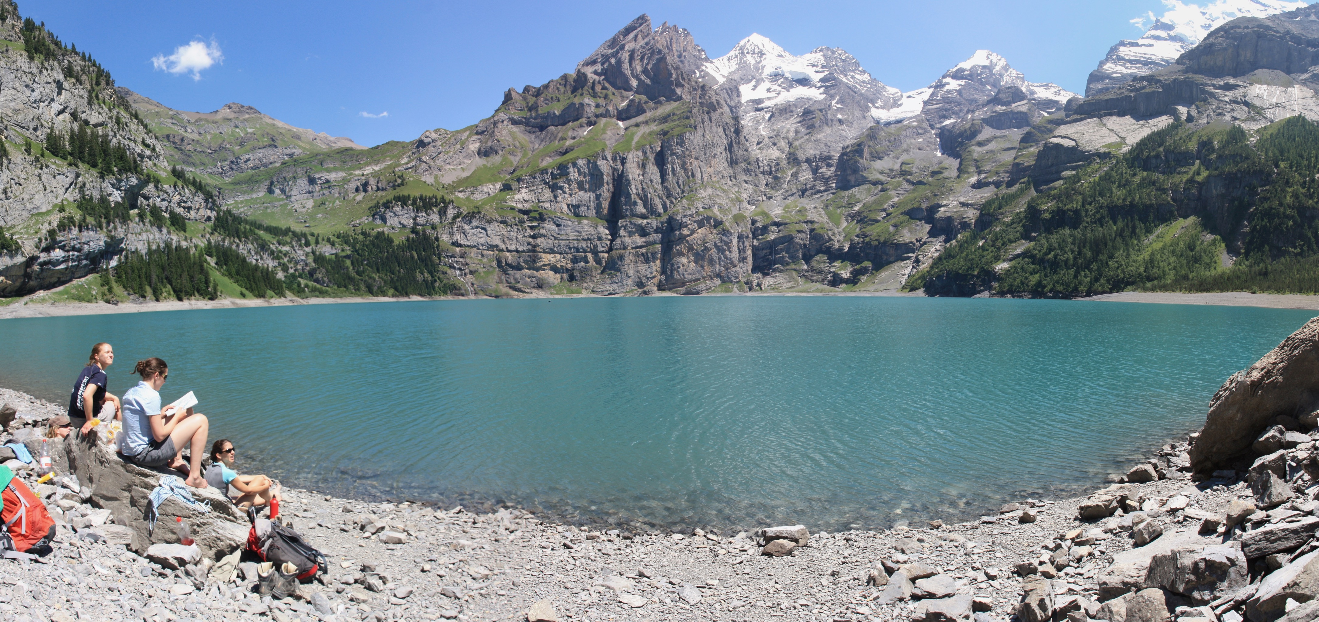 Relaxing by the Oeschinensee lake.